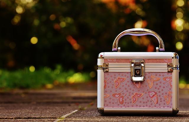 ピンクのケース